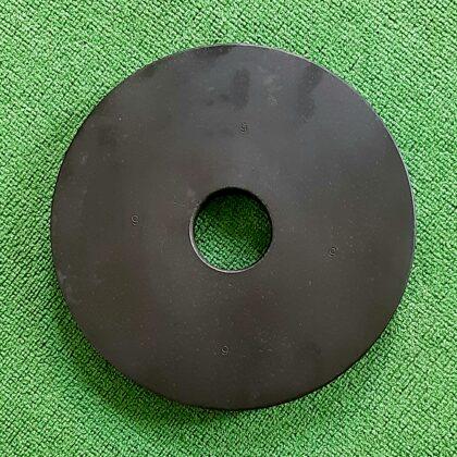 Viens ( bez pāra ) 9 kg dzelzs disks. Cauruma diam.50 mm. 15,00 eur