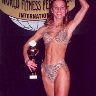 Ilze Šveiduka  Latvijas čempione Pasaules Čempionātā Fitnesā 3. vieta